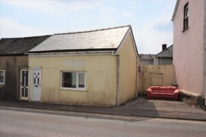 Former Premises of Tucker and Co Accountants, Pontardulais Road, Cross Hands